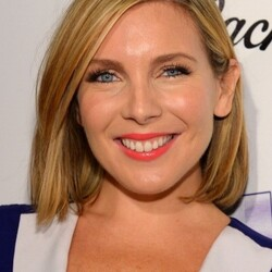 June Diane Raphael Net Worth