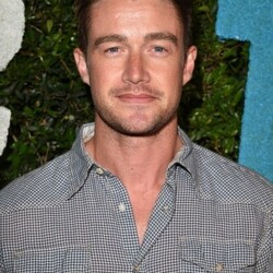 Robert Buckley Net Worth