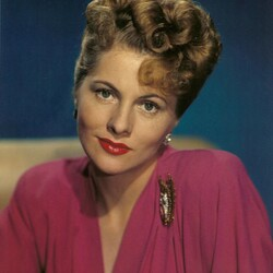 Joan Fontaine Net Worth
