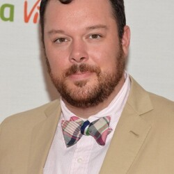 Michael Gladis Net Worth