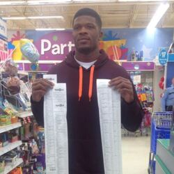 Houston Wide Receiver Andre Johnson Performs Another Christmas Miracle For Underprivileged Kids