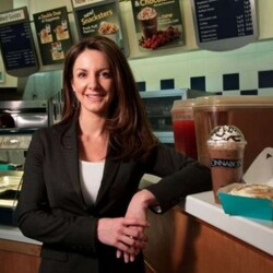 From Hot Wings to Hot Buns: How A Former Hooters Waitress Turned Cinnabon into Billion Dollar Brand