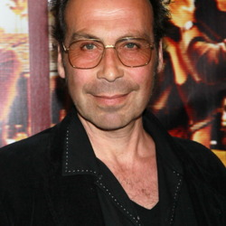 Taylor Negron Net Worth