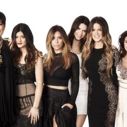 The Kardashian Family Just Signed A $100 Million TV Deal With E!