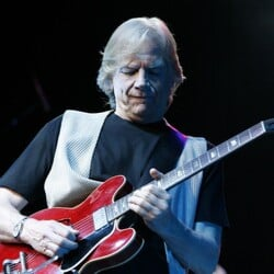 Justin Hayward Net Worth
