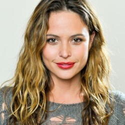 Josie Maran Net Worth