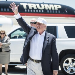 How Donald Trump's Private Jet Compares To Air Force One