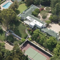Taylor Swift Just Dropped $25 Million IN CASH On Famous Beverly Hills Estate