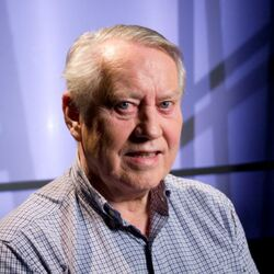 Amazing Human Being Alert: Billionaire Chuck Feeney Donates $177 Million To Dementia Research
