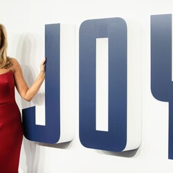 From Struggling Single Mom To Millionaire Inventor – The Joy Mangano Story