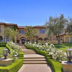 Clippers Star Chris Paul Pays $8.995 Million For Insane House Next Door To Khloe Kardashian