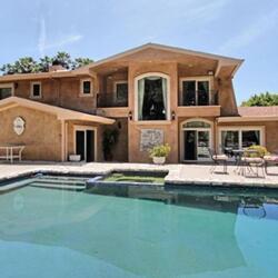 49ers Running Back Reggie Bush Among Athletes Investing $8.95 Million To Flip Beverly Hills Home