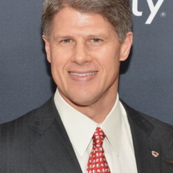 Clark Hunt Net Worth