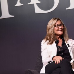 Retail Chief Angela Ahrendts Was Apple's Highest-Paid Exec In 2015