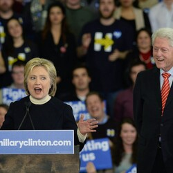 How Bill And Hillary Clinton Embraced Wall Street And Made $76,000 PER DAY