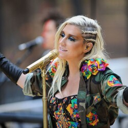 Financially Struggling Kesha Gets Financial Support From Taylor Swift