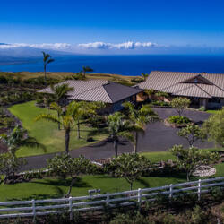 NFL Legend Terry Bradshaw Sells Hawaiian Estate For $2.7 Million