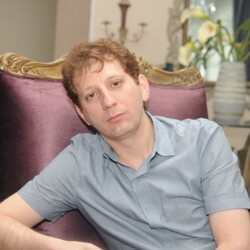 Iranian Billionaire Babak Zanjani Gets Death Sentence For Embezzlement