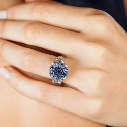 Blue Diamond Owned By Late Shirley Temple Expected To Get Up To $35 Million At Auction