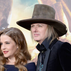 Lisa Marie Presley Splits With Husband And Guitarist Michael Lockwood