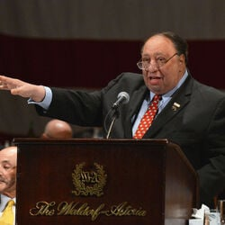 New York City Billionaire John Catsimatidis Offers $5K Reward For Ice Cream Thieves