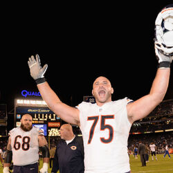 Chicago Bears Offensive Lineman Kyle Long Signs $40 Million Contract Extension