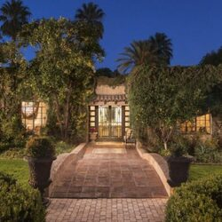 'Malcolm In The Middle' Star Frankie Muniz Lists AZ Mansion For $3.5 Million
