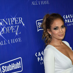 Did Jennifer Lopez Cancel Her Million Dollar NYE Gig To Spend Time With Drake?