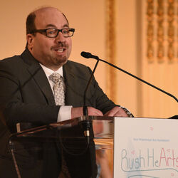 Craigslist Founder, Craig Newmark, Donates $1 Million To Fight Against Fake News