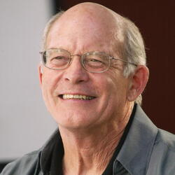 Max Gail Net Worth