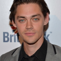 Tom Payne Net Worth