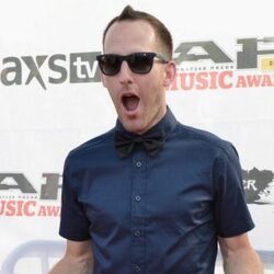 Chuck Comeau Net Worth