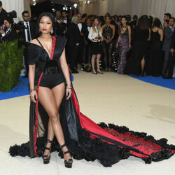 Nicki Minaj Offers To Pay College Expenses For Some Lucky Fans On Twitter
