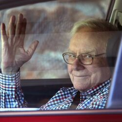 Anonymous Bidder Pays $2.68M For Lunch With Warren Buffett
