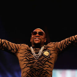 Floyd Mayweather Claims The UFC Offered Him $1 Billion To Come Out Of Retirement