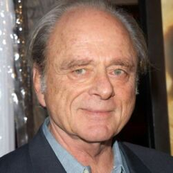 Harris Yulin Net Worth