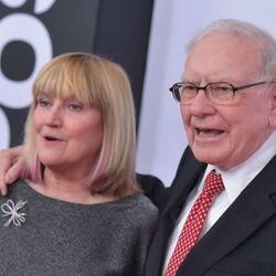 Warren Buffett Says Bitcoin Isn't A Real Investment