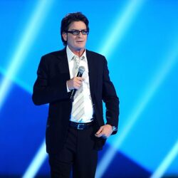 "Charlie Sheen Says He's In A ""Dire Financial Crisis"" With ""Less Than $10M To His Name"""