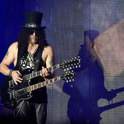 Guns N' Roses Guitarist Slash Apparently Made $45 Million LAST YEAR