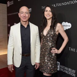 """Jeff Bezos Launches $2 Billion """"Day One Fund"""" To Help The Homeless And Create Pre-Schools"""