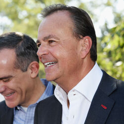"How Rick Caruso - AKA ""The Walt Disney Of Retail"" - Earned $4 BILLION Building Malls"