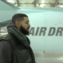 """Drake Shows Off Incredible Brand New """"Air Drake"""" $100 Million Private Jet"""