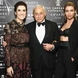 Les Wexner, Billionaire Behind Victoria's Secret, Designed An Ohio Town