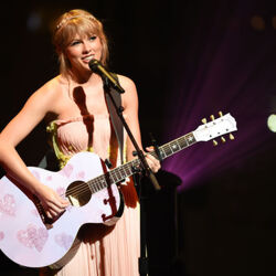 Taylor Swift Is The Highest-Paid Celebrity Of The Year, With $185 Million