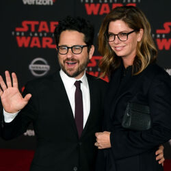 JJ Abrams REJECTS $500 Million Apple Deal For $250 Warner Deal...Why?