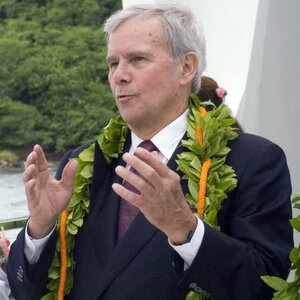 Tom Brokaw Net Worth