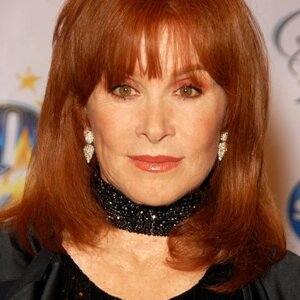 Stefanie Powers Net Worth
