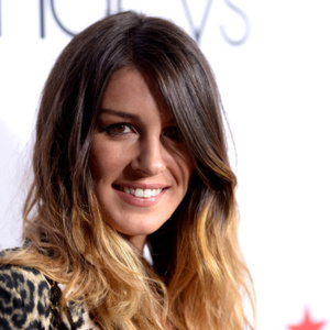 Shenae Grimes Net Worth