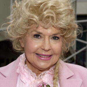 Donna Douglas Net Worth
