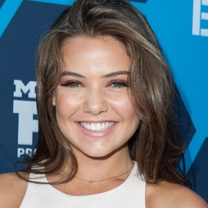 Danielle Campbell Net Worth
